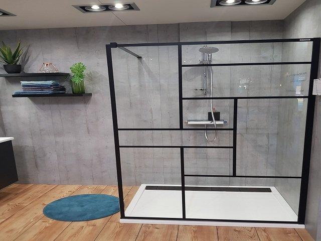 parois de douche en verre douche vitr e douche en verre. Black Bedroom Furniture Sets. Home Design Ideas